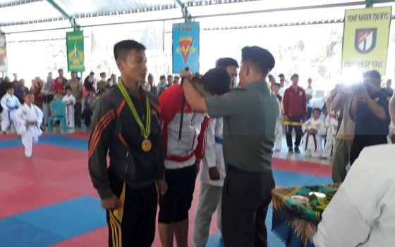 Kejuaraan Terbuka Karate, Danyonif Raider 700/Wyc II, Tim Selayar,Sementara, Raih 8 Medali
