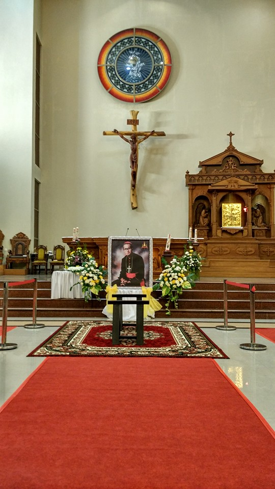 Misa Penyambutan Jenazah Mgr Hilarius Moa Nurak SVD