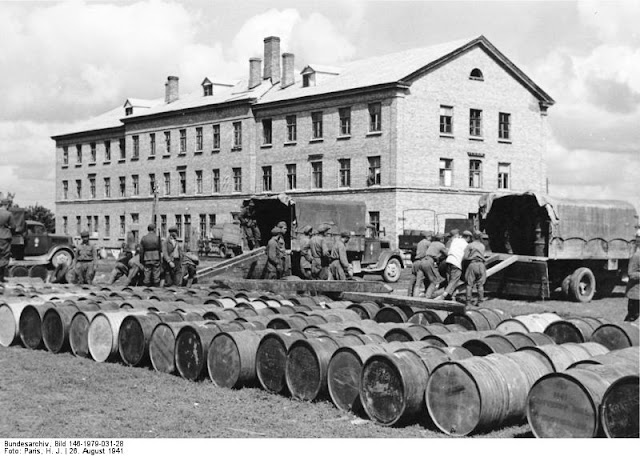 Soviet POWs unloading trains at Berdichev, 26 August 1941 paulmccartney.filminspector.com