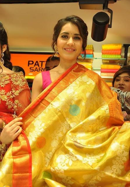 Rashi-Khanna-klm-mall-launch-event-photo