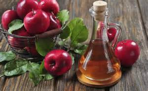 """<img src=""""vinagre-de-manzana.jpg"""" alt=""""vinagre de manzana en una para la infestacion de piojos"""">"""