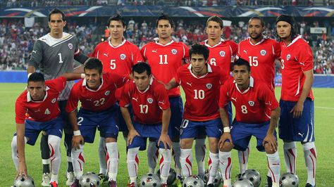 Formación de Chile ante Francia, amistoso disputado el 10 de agosto de 2011