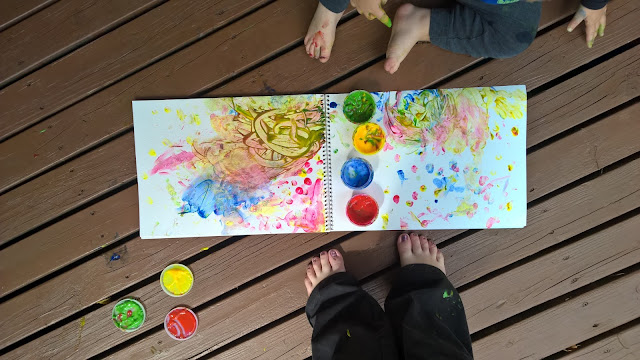 fun fingerpainting with toddler