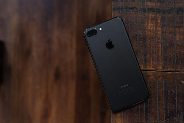 Camera kép trên iPhone 7 Plus cũ có tính năng xóa phông
