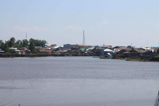 Pemandangan Sungai di Keraton Sambas - Catatan Nizwar ID
