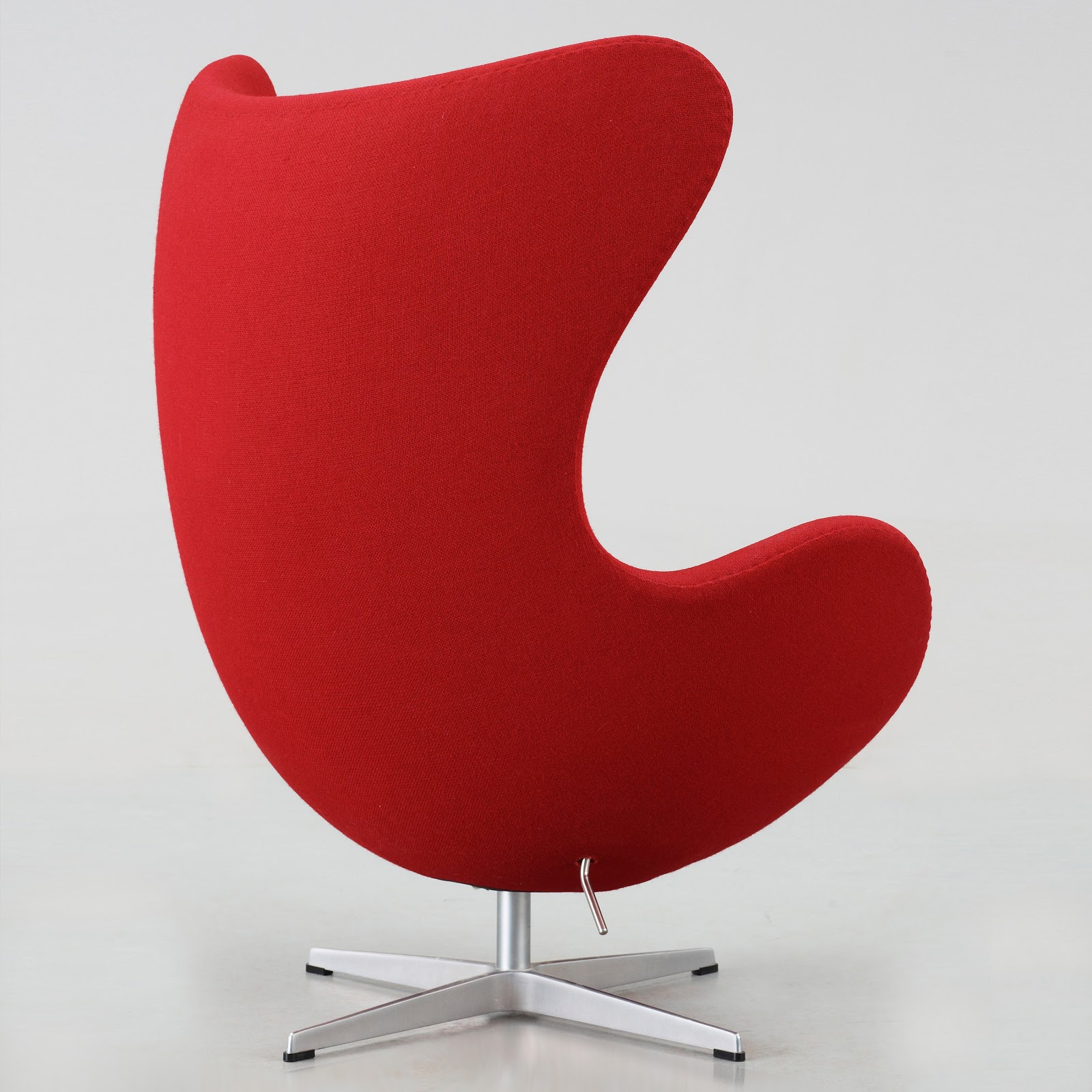 original egg egg arne jacobsen egg chair upholstered with gabriel red fame fabric. Black Bedroom Furniture Sets. Home Design Ideas
