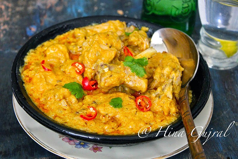 cooked chicken curry flavored amongst whole spices Dum Ka Murgh (Slow Cooked Chicken inward Cashew-nut Gravy)