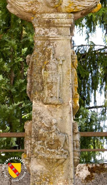DOMEVRE-SUR-DURBION (88) - Croix-calvaire (1772)