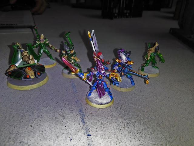Imagen de miniaturas Eldar para el juego Armageddon