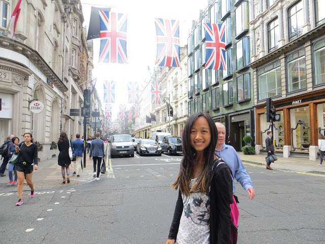 Most beautiful street, London, Miss Happy Feet, Vivian Lee