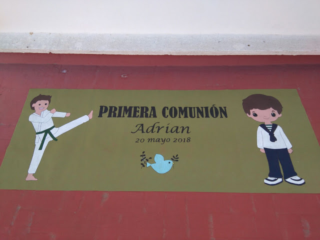 Cómo decorar el portal de casa para la Primera Comunión