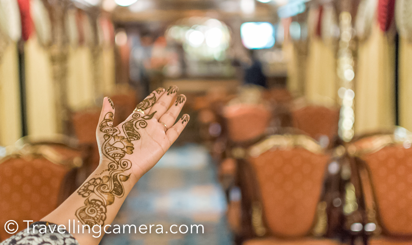 After reaching Golden Chariot train, ladies assembled at the bar for heena as some local heena artists were on the train. Heena artists were on board till 8:40pm as train had to start for the next destination.
