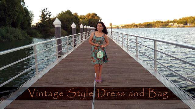 sleeveless-vintage-style-dress