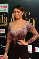 Hansika Motwani in Glittering Deep Neck Transparent Leg Split Purple Gown at IIFA Utsavam Awards 36.JPG