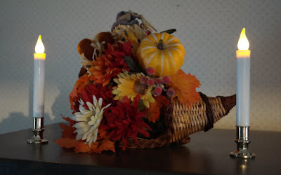 Thanksgiving cornucopia from wandasknottythoughts