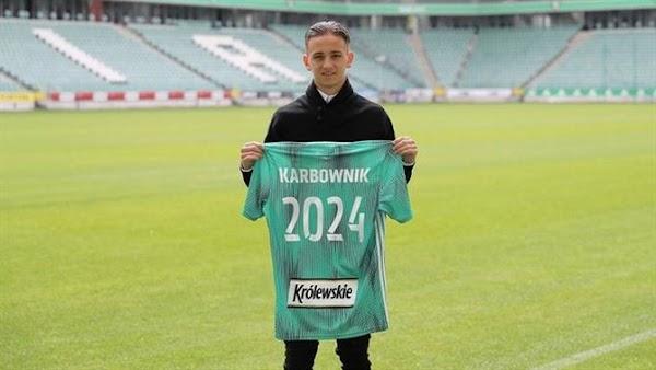 Oficial: Legia Varsovia, renueva Karbownik hasta 2024
