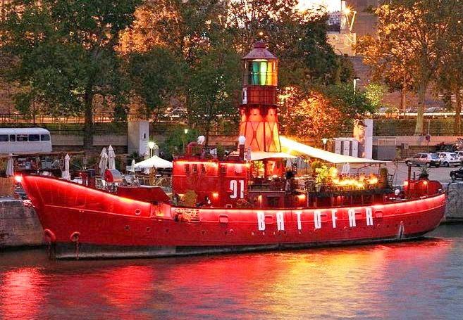 Batofar Balada Barco Paris