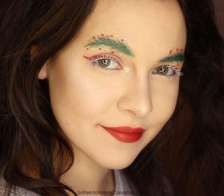 sobrancelhas com decorações natalinas