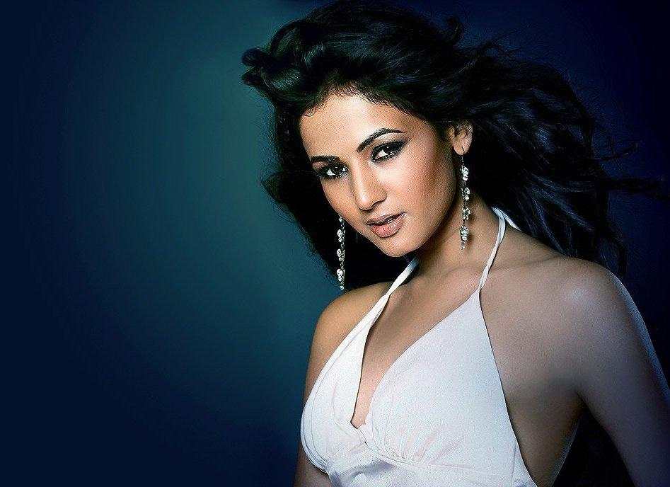 Sonal Chauhan Suhel: Fashion: Sonal Chauhan