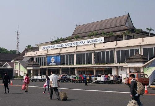 Jadwal Penerbangan dari Bandara Husein Sastranegara Bandung