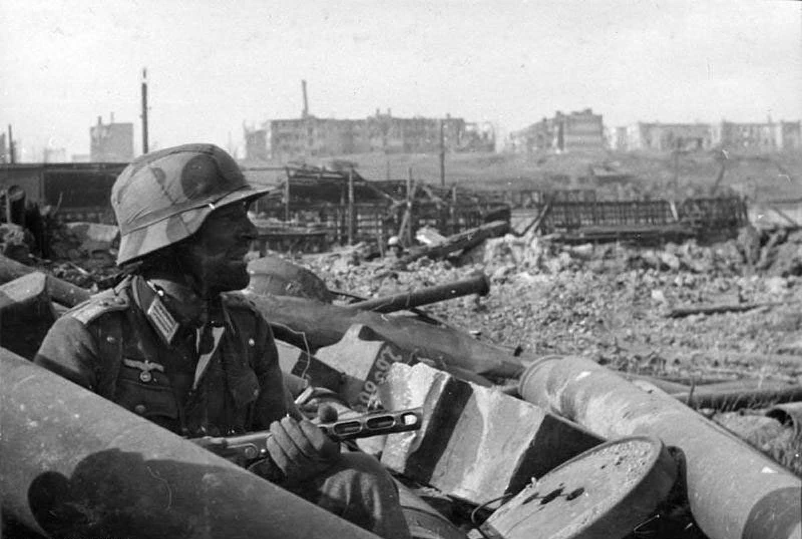A German soldier with a machine gun during the Battle of Stalingrad, in Spring of 1942.
