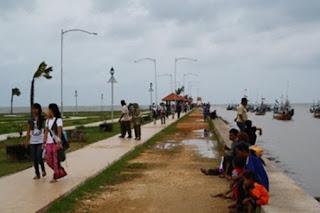 Wisata Pantai Boom di Tuban