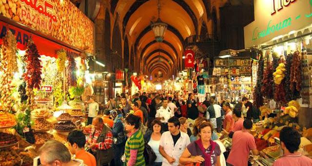 السوق المغطى أضخم أسواق اسطنبول