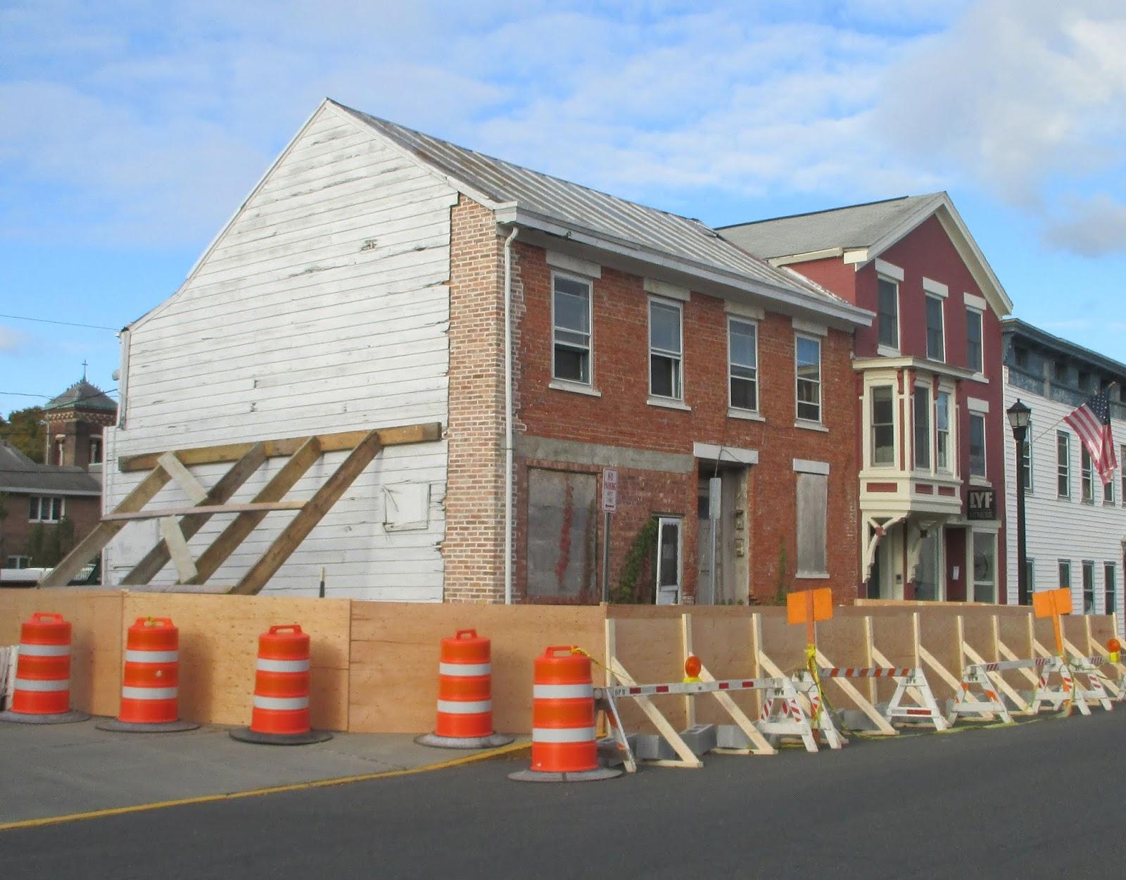 The Gossips of Rivertown: Update on 211 Warren Street