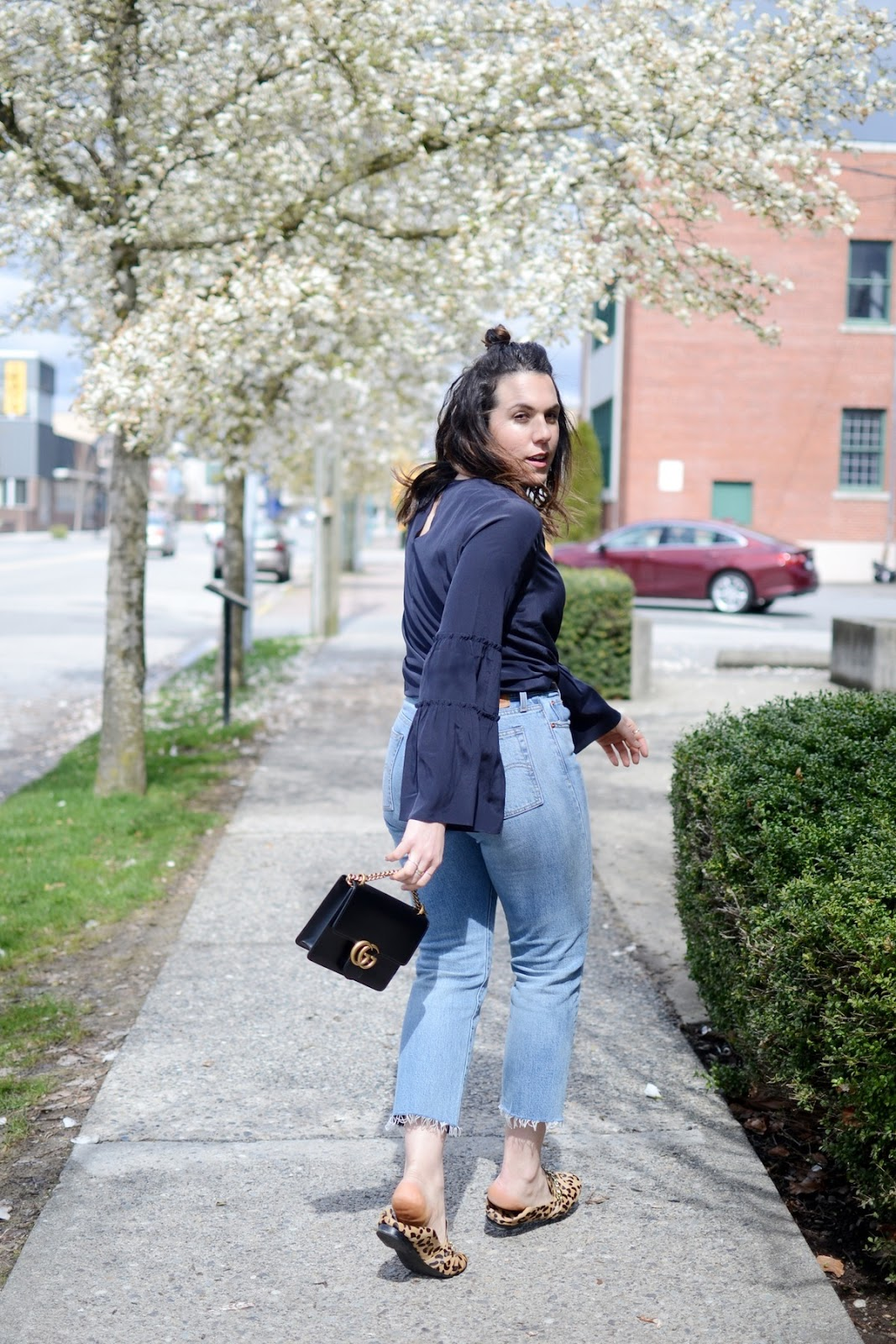 Ann Taylor flare sleeve silk blouse Gucci Marmont bag vancouver blogger outfit social levi's wedgie jeans outfit