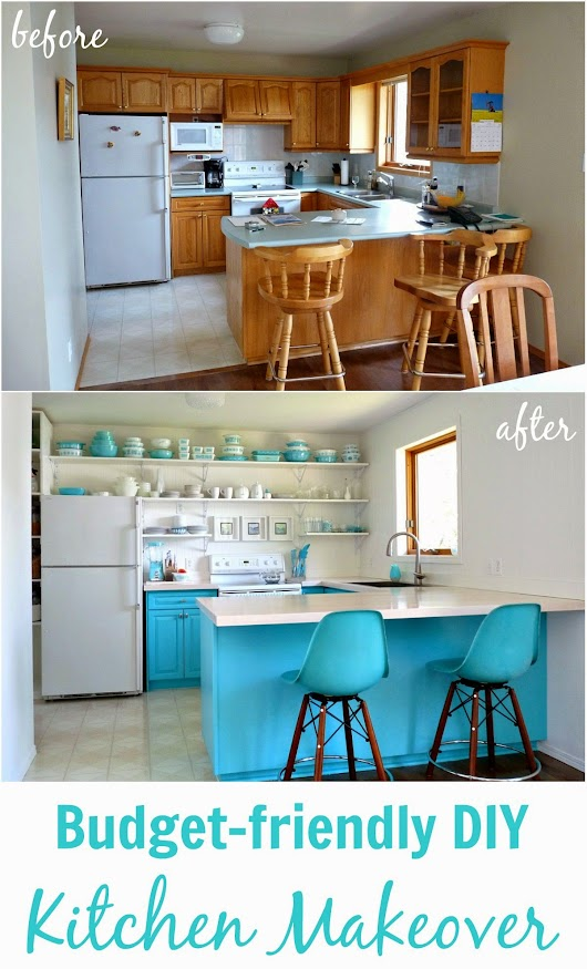 Dans le Lakehouse: A Budget-Friendly Aqua Kitchen Makeover