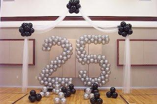 dekorasi bentuk ini sering di buat untuk dekorasi ulang tahun perusahaan atau hari besar seperti 17 agustus