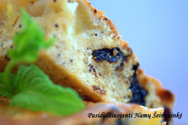 RECEPTAS: Obuolių pyragas su džiovintais vaisiais