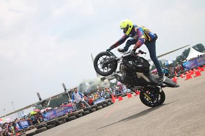 Aksi Para Motor Freestyle