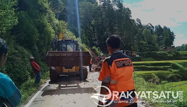Material Longsor Penuhi Jalan Utama di Lolai, BNPB Torut Turunkan Alat Berat