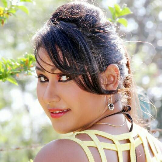 Priyanka Pandit Latest HD Wallpapers