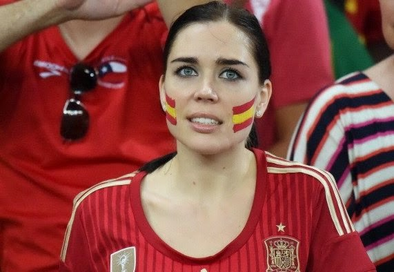 Beautiful Spain Girl Supporter