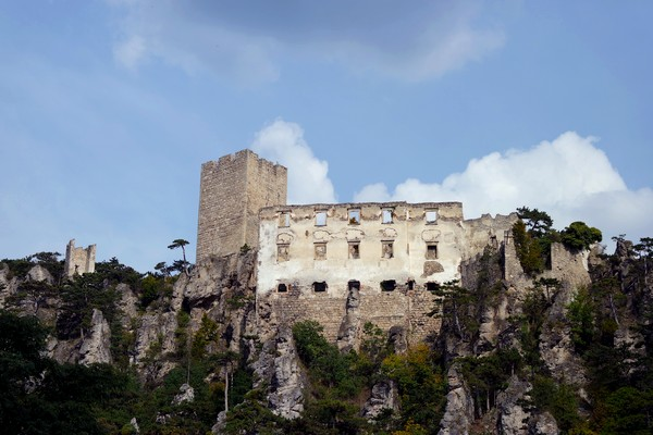 baden bei wien helenental rauhenstein ruines château