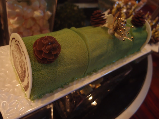 Hazelnut Mango Yule Log