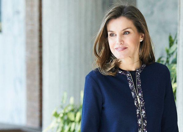 Queen Letizia visited the facilities of Integra Foundation in Madrid. Queen wore Zara dress and Mango jacket