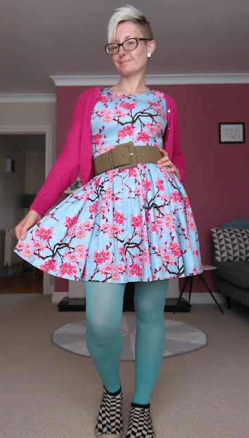 Fashion Blogger Autumn Style Yumi Colourful tights Cherry Blossom