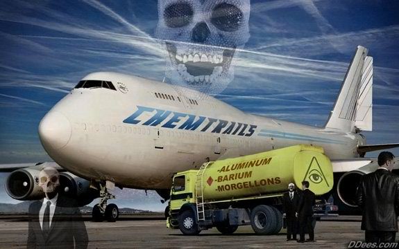 Airline Pilot Caught Spreading Chemtrails While Landing