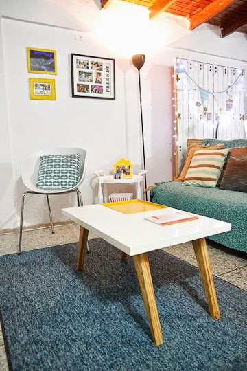 Carlos y Ana, Colorful DIY Home