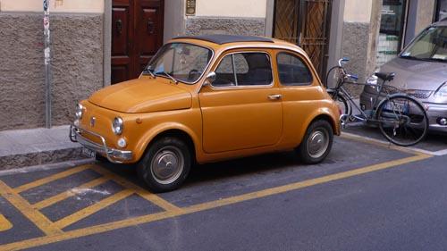 オレンジ基調のフィレンツェにオレンジのチンク