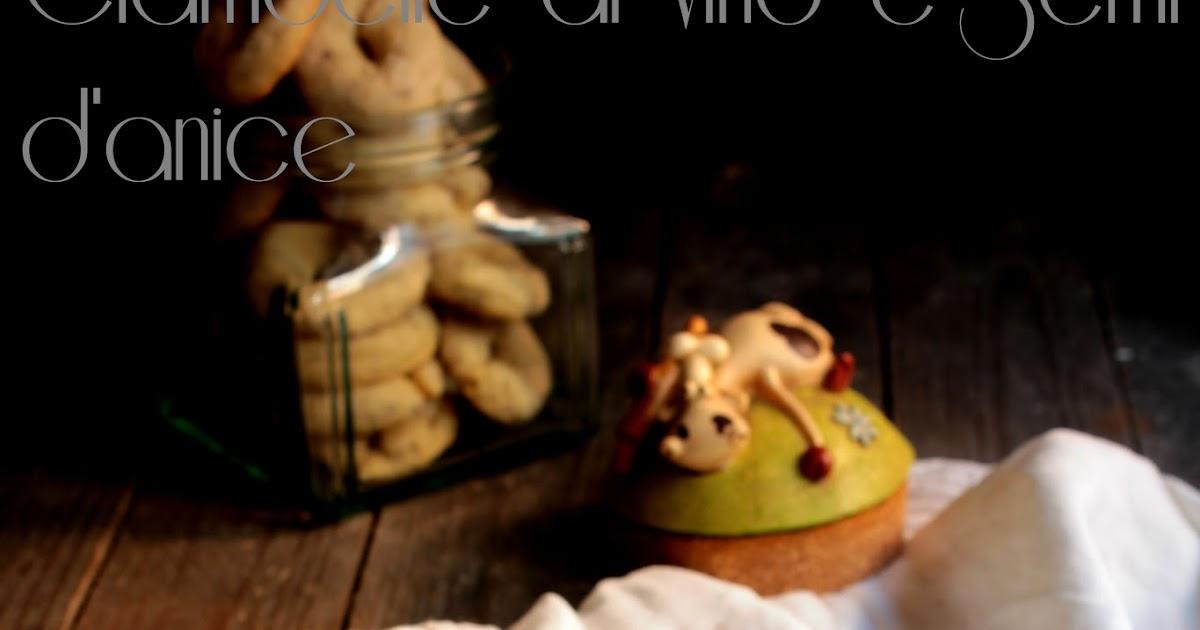 Ciambelline al vino e semi d'anice