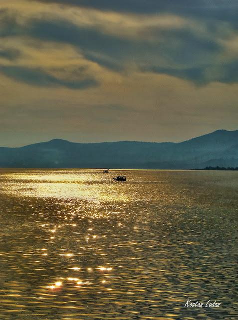 πρωινό στην θάλασσα ,φωτογραφία Κώστας λαδάς