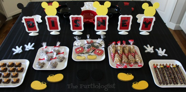easy disney themed dessert table