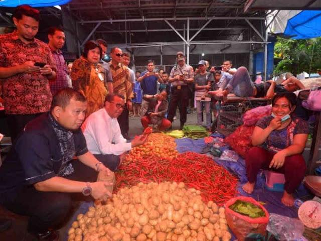 Nurdin Abdullah Minta Muh Iqbal Suhaeb Evaluasi PD Pasar di Kota Makassar