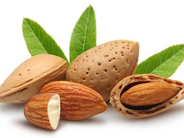 बादाम के ब्यूटी टिप्स, Almond Beauty tips in hindi