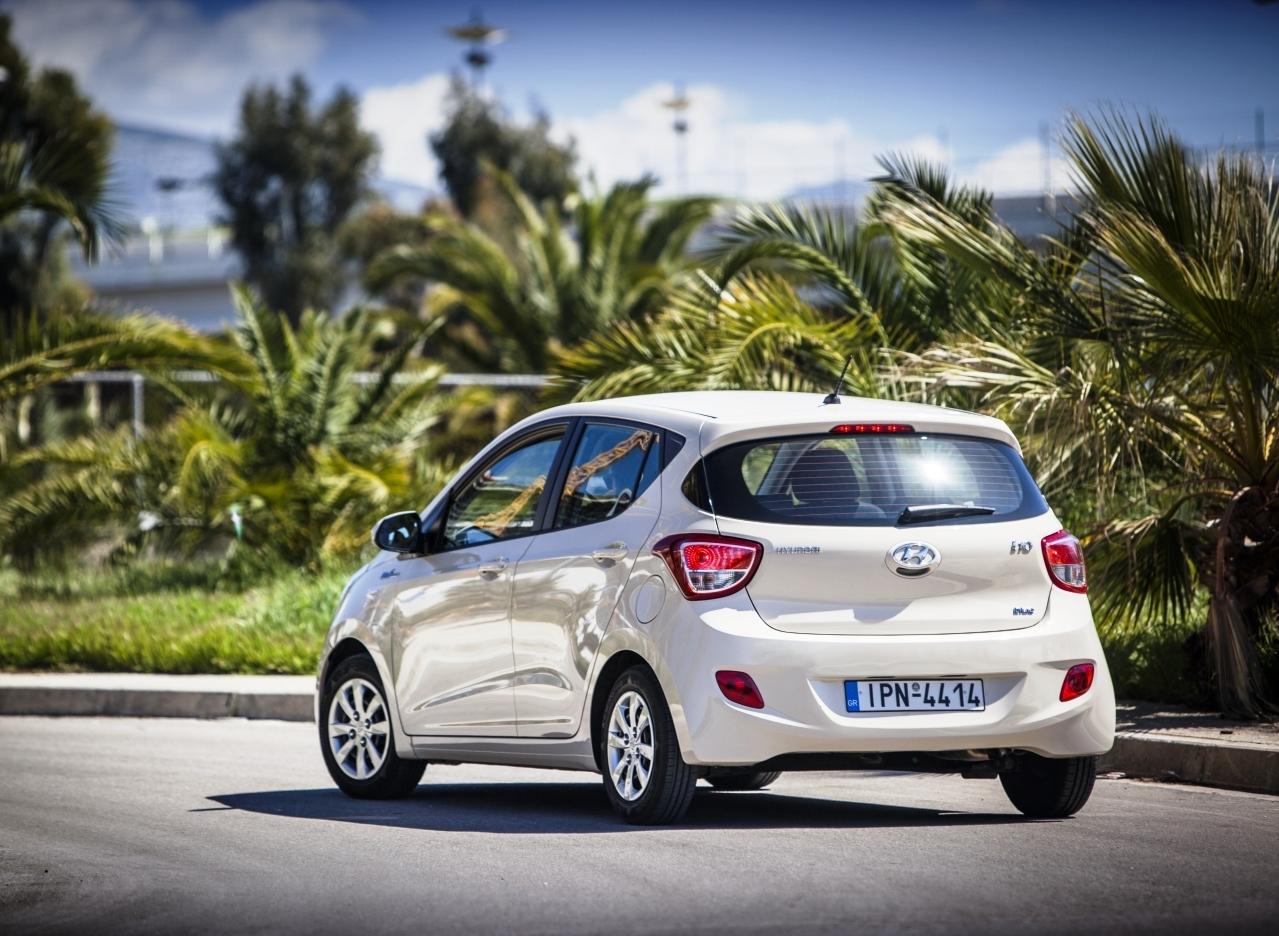 hyundai%2Bi10%2Bdefteri Οδηγούμε το Hyundai i10 Blue Drive 1,0