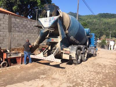 Prefeitura inicia obra de pavimentação asfáltica na rua Waldemar Lopes Ferraz